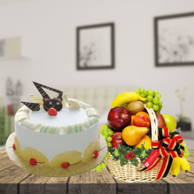 Pineapple cake with fruits basket