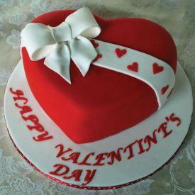 Valentines fondant cake