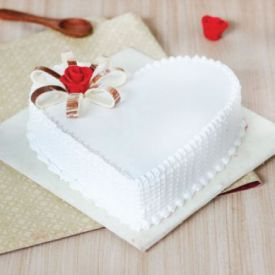 Vanilla Cake in heart Shape