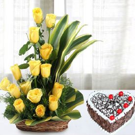Roses with Heart Shape Cake