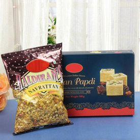 Soan Papdi with Mixture