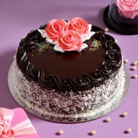 Chocolaty Rose Cream Cake