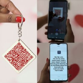 Personalized QR Code Keychain