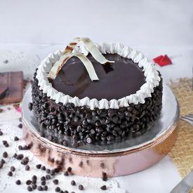 Round Chocolate Cake