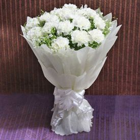 White Carnation with Roses In Vase