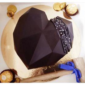 Choco Pinata Cake