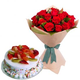 Fruit Cake With Red Roses