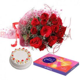 Red roses, cake and celebration pack