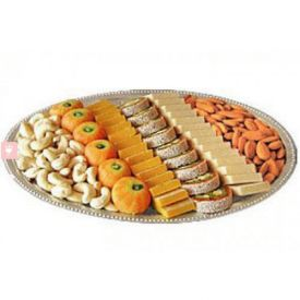 500 grams mix sweets and 500 grams dry fruits in Thali