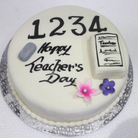 Teachers Day Vanilla Cake