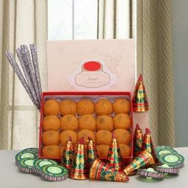 Motichoor laddu With Crakers