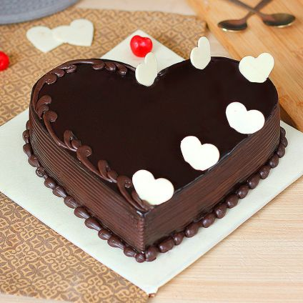 1 Kg love chocolate cake
